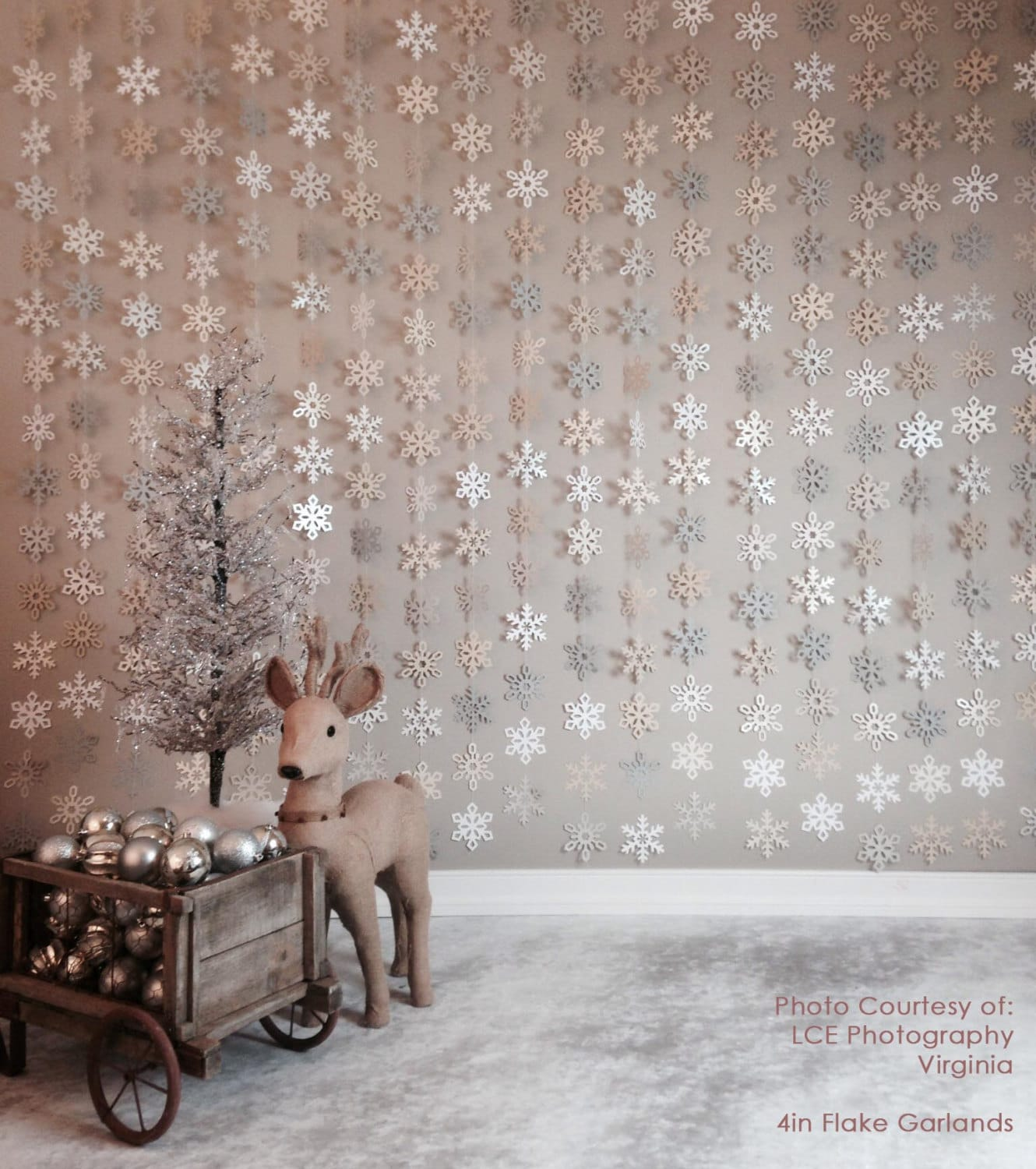 paper-snowflake-garland-silver